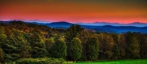 Vermont hot air balloon rides at sunset near Green Mountains