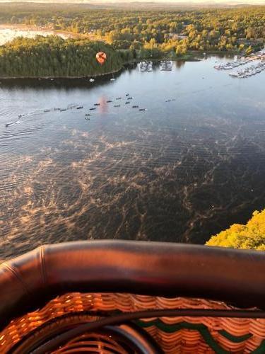 lake, mist,balloonHRZNTL